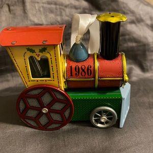 Hallmark Ornament 1986 Tin Locomotive